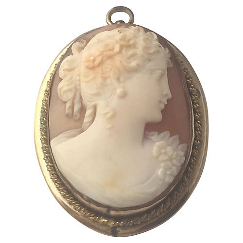 1930s Shell Cameo of Lady Gold Pendant