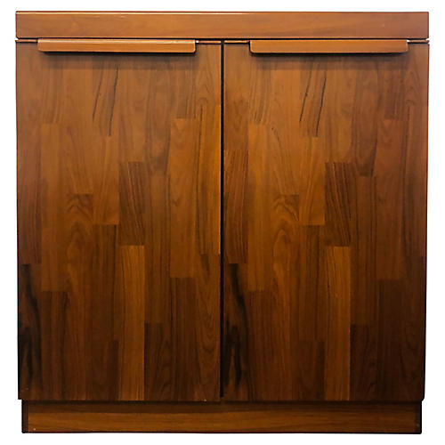 Belgian Dresser