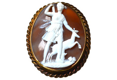 14K Gold Goddess of the Hunt Cameo Pin