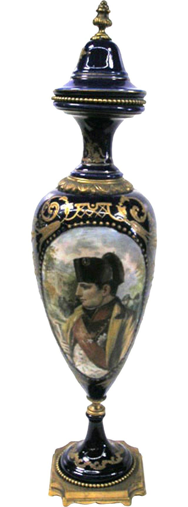 1900s French Napoleon Porcelain Urn