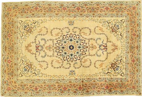 Persian Kashan Rug, 7'2