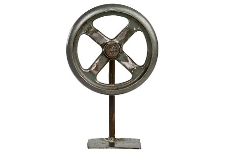 Rustic    Wheel on Iron Stand