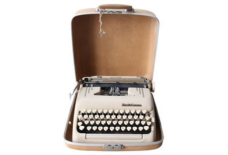 Smith-Corona Typewriter w/ Case