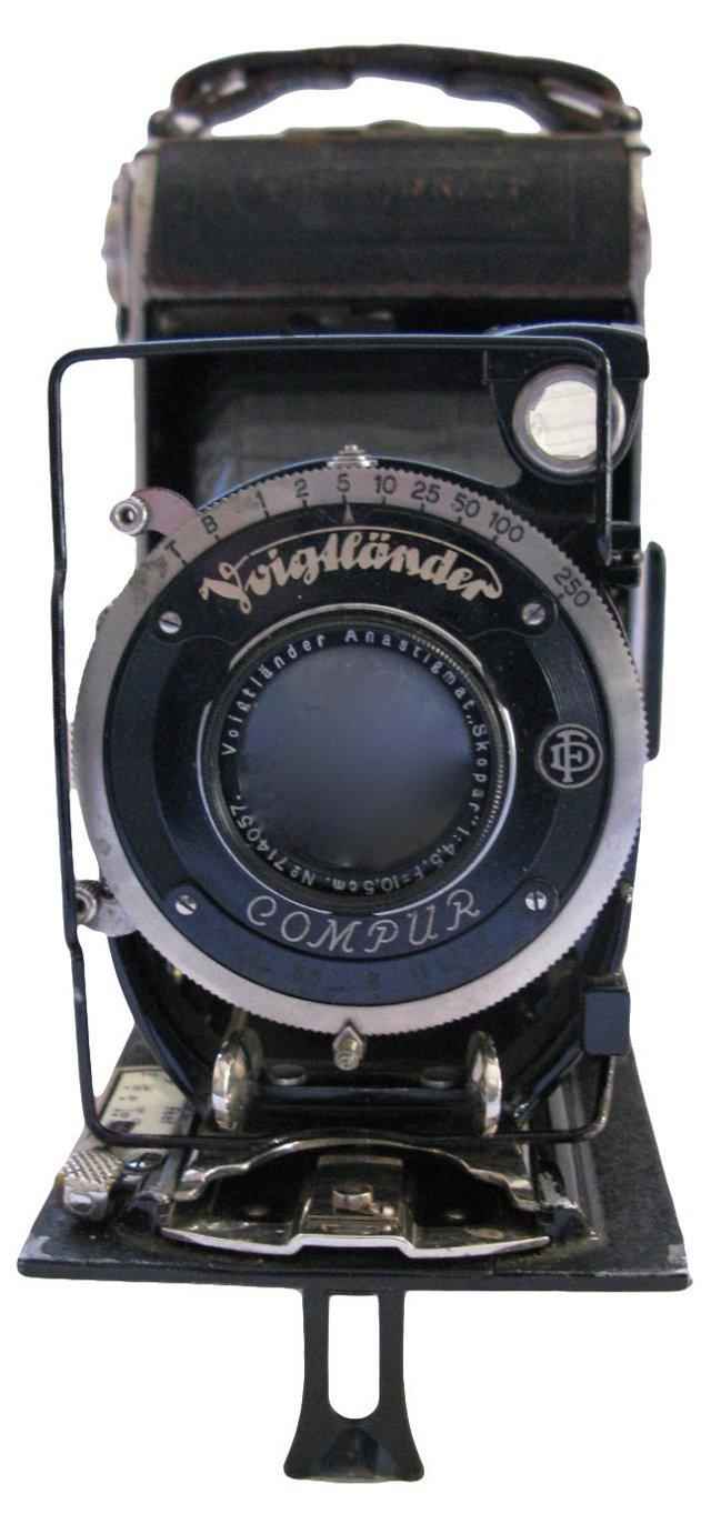 1932 Voigtlander Folding Camera