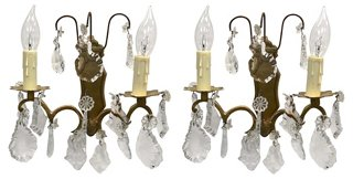 French Crystal Wall Sconces - beautiful vintage French country lighting ideas for your European country and Old World style interiors.