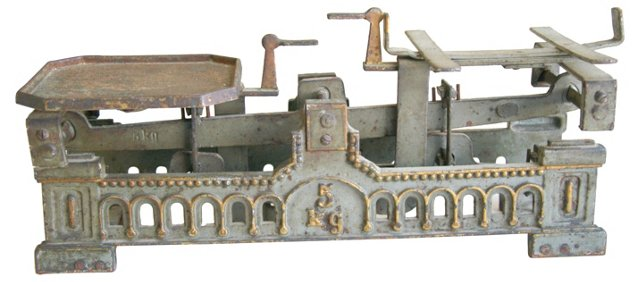 Antique    European Balance Scale