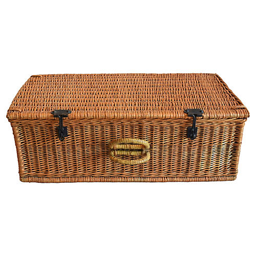 Vintage Wicker Traveling Suitcase Trunk