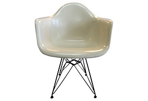 Herman Miller Eames Chair w/ Eiffel Base
