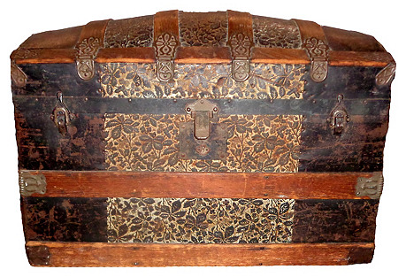 1890s Barrel-Top Trunk