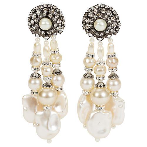 Vrba Oversize Pearl Rhinestone Earrings