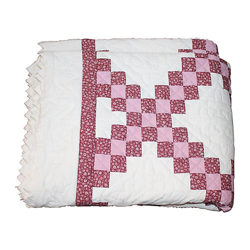 Amish Nine-Chain Quilt w/ Sunburst Edge