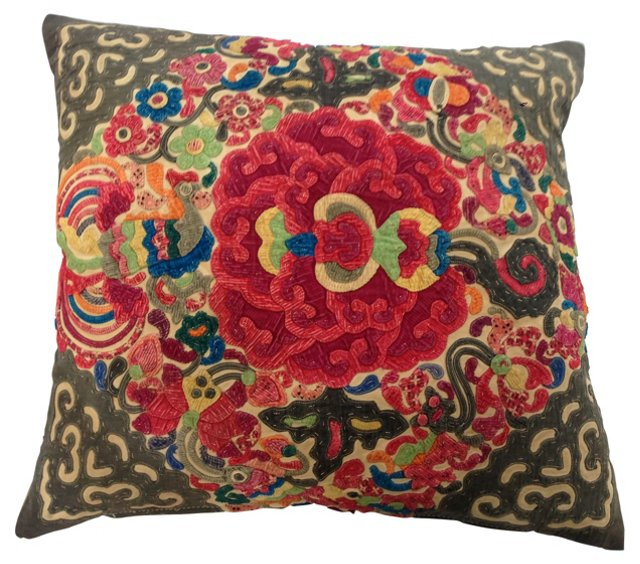Pillow w/ Layered Appliqué Quilt
