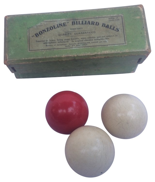 English Billard Balls w/ Box
