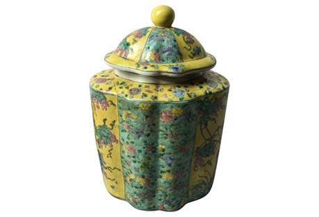 Chinoiseire Porcelain Lidded Tea Jar