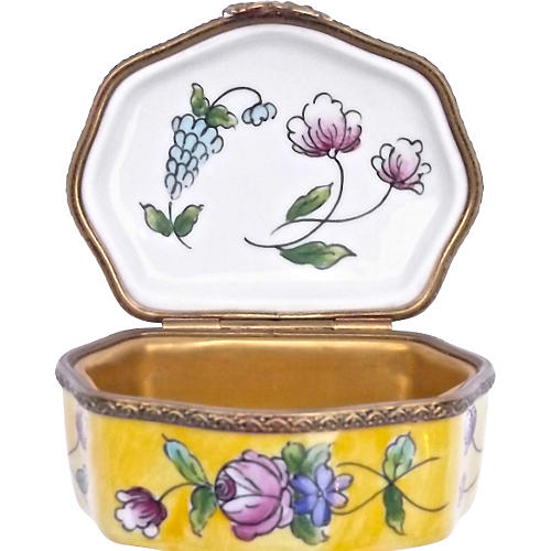 Porcelain Floral Themed Limoges Box
