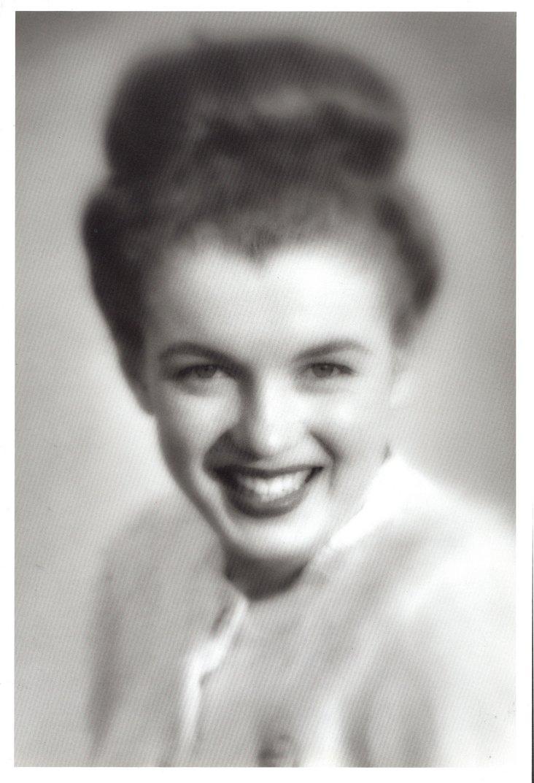 Marilyn Monroe (Norma Jeane), 1946