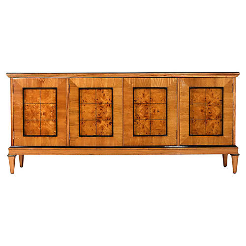 Neoclassical-Style Buffet
